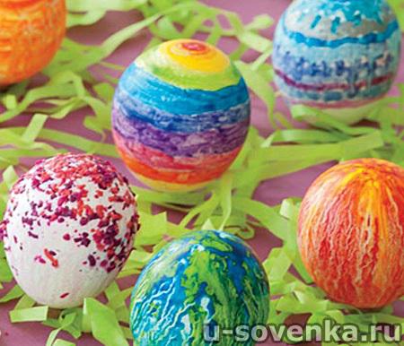 Красим яйца на Пасху воском