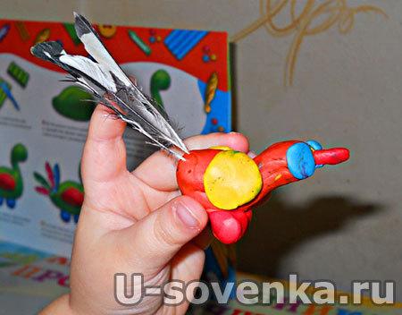 Поделка (Лепка) из пластилина - Райская птичка