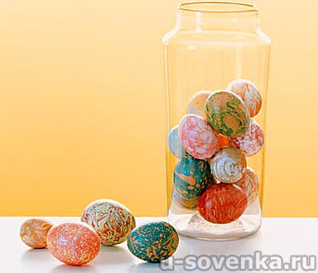 Красим яйца на Пасху: эффект мрамора